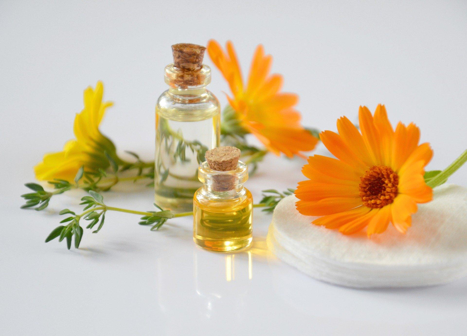 Huiles végétales cosmétiques naturelles