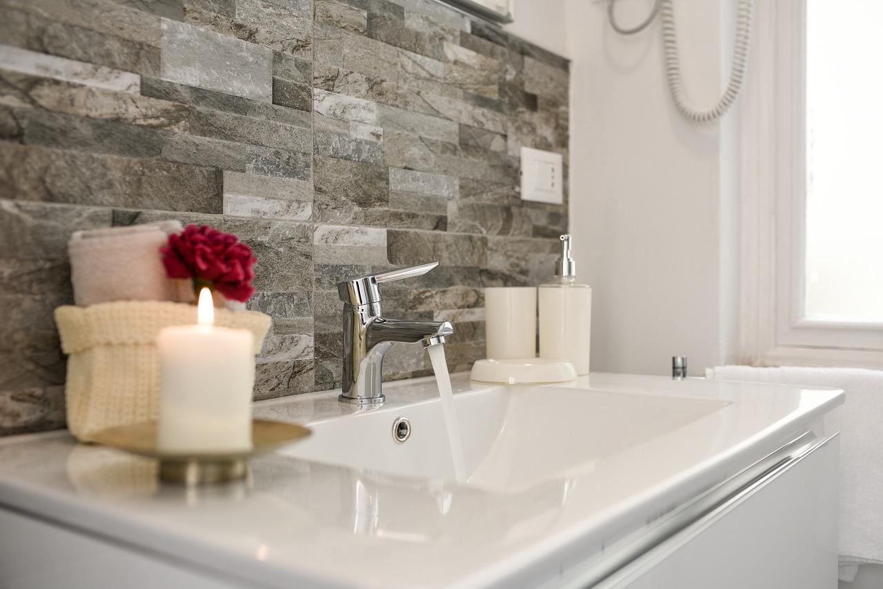Kit Minimaliste : le strict nécessaire dans la salle de bains