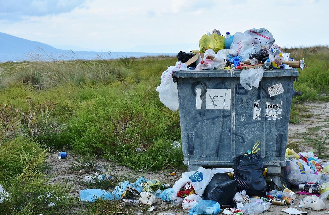 nos poubelles débordent à mesure que nous sur-consommons tout type d'objets