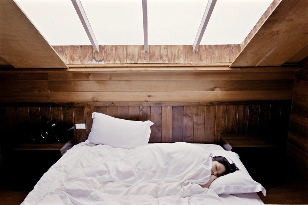 Bien dormir augmente notre niveau de bonheur