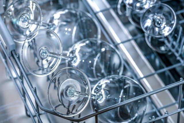 lave-vaisselle et verres brillants sans calcaire